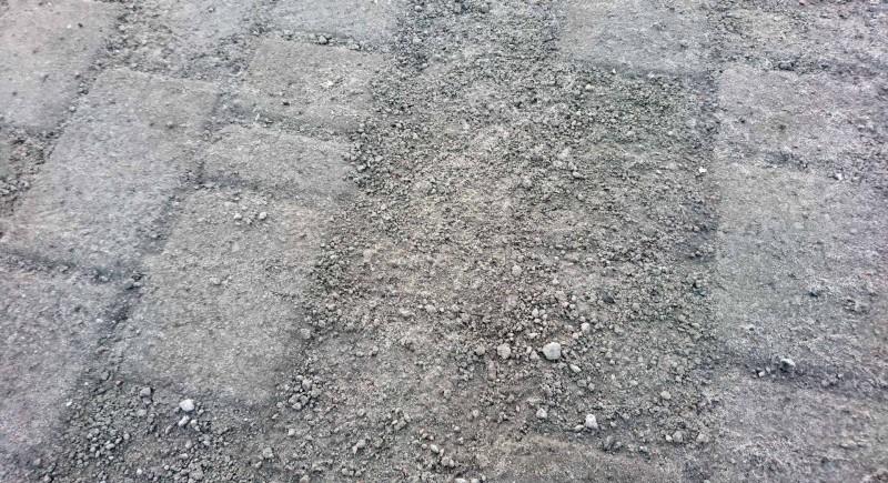 Некачественная плитка на Греческой площади не имеет сертификатов качества