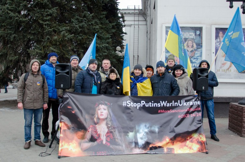 В Мариуполе прошел протест против российской агрессии в Украине!